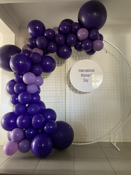 Mesh Circle Hire, balloon garland and personalized disc