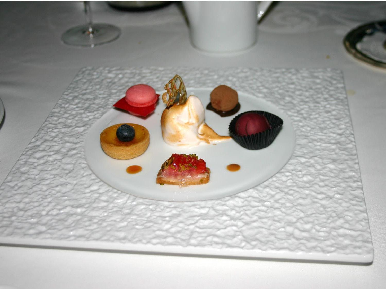 10_Dubai 2007 B_Page_24