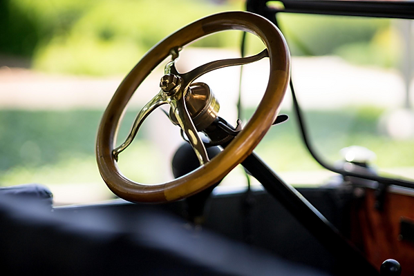 model t steering wheel.png