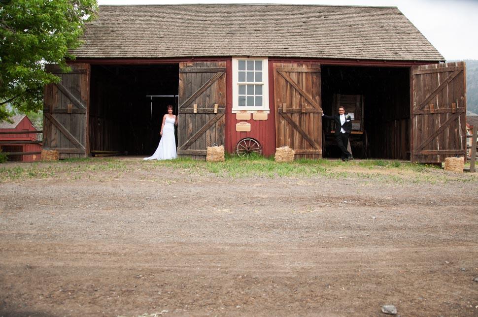 A True Rustic Wedding at Hat Creek Ranch