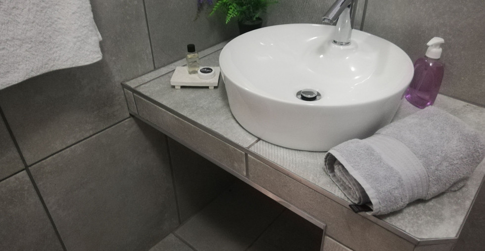 7.-1-on-scott-bathroom.jpg