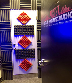 1 Vocal Booth