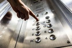 elevator-3479633_1920.jpg