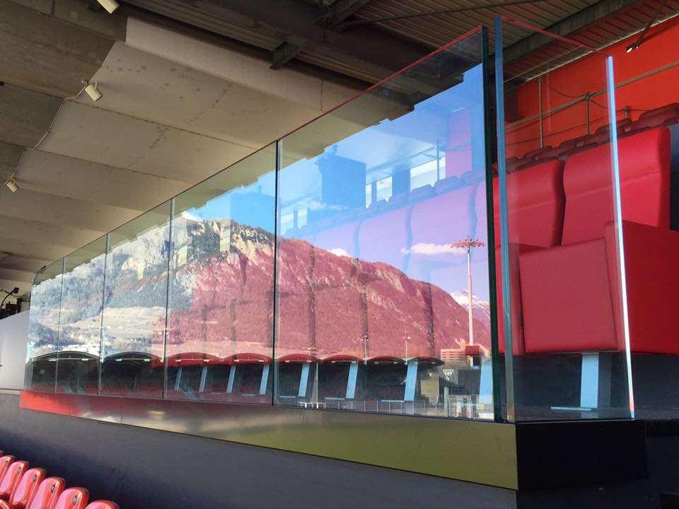 Stade de Tourbillon à Sion, balustrades tout verre