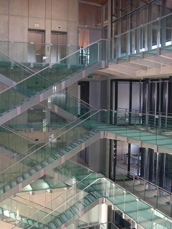 Vacherin constantin - escalier tout verre