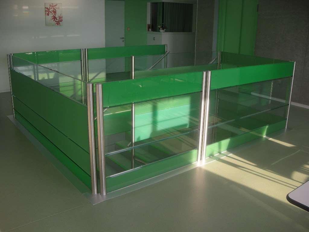 EMS Les Baumettes - balustrades en verre coloré