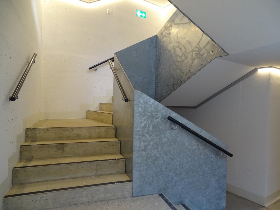 Parking Roches Brunes, cage d'escalier