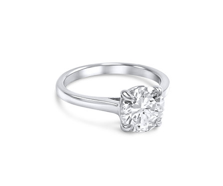 Signature Classic Low Setting Engagement Stunner in Platinum