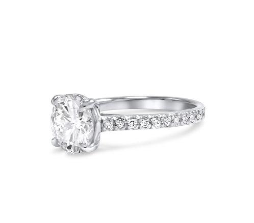 Signature Classic Low Setting Engagement Stunner in Platinum