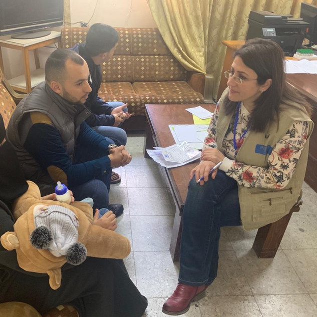 DR Nisreen Rumman with CF patients and families in Gaza