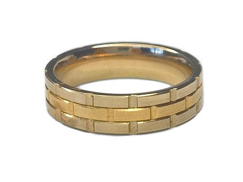 10K YELLOW GOLD SMALL BRICK PATTERN MEN RING - SIZE 10