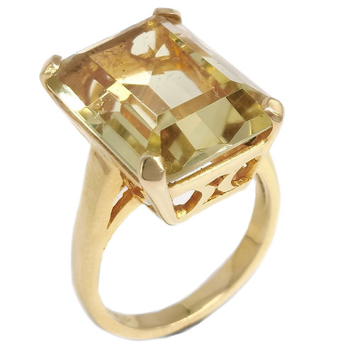 14K SPINEL STONE RING - EMERALD CUT STONE - SIZE 5.5