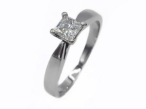 0.46 CT PRINCESS-CUT DIAMOND RING IN 14K WHITE GOLD - SIZE 7