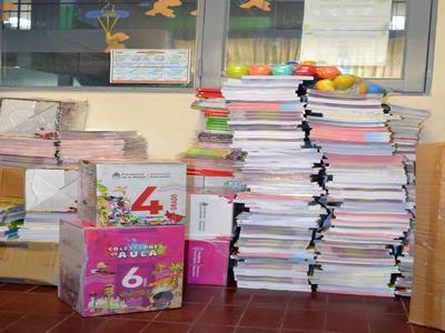 Entrega de materiales a escuelas
