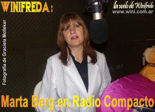"""Marta Berg en plena entrevista en el programa radial """"La Mañana de Gra"""""""