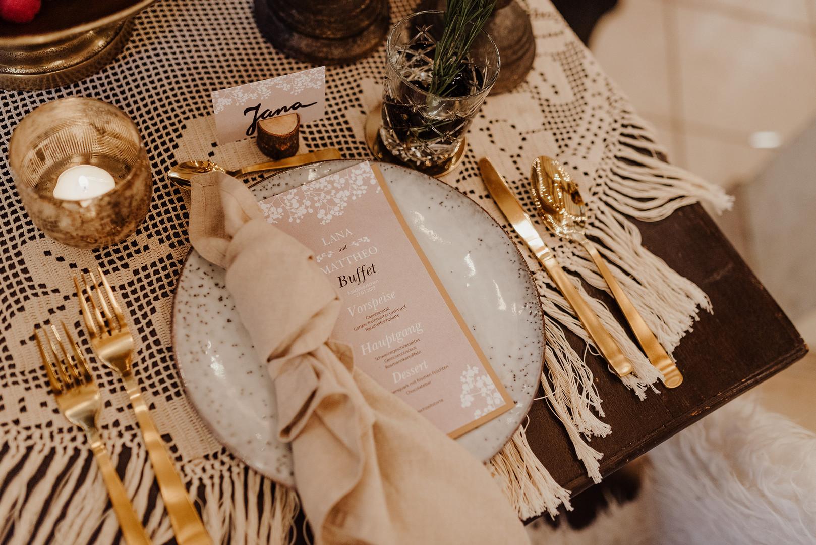 Vintagewedding Tischdeko.jpeg