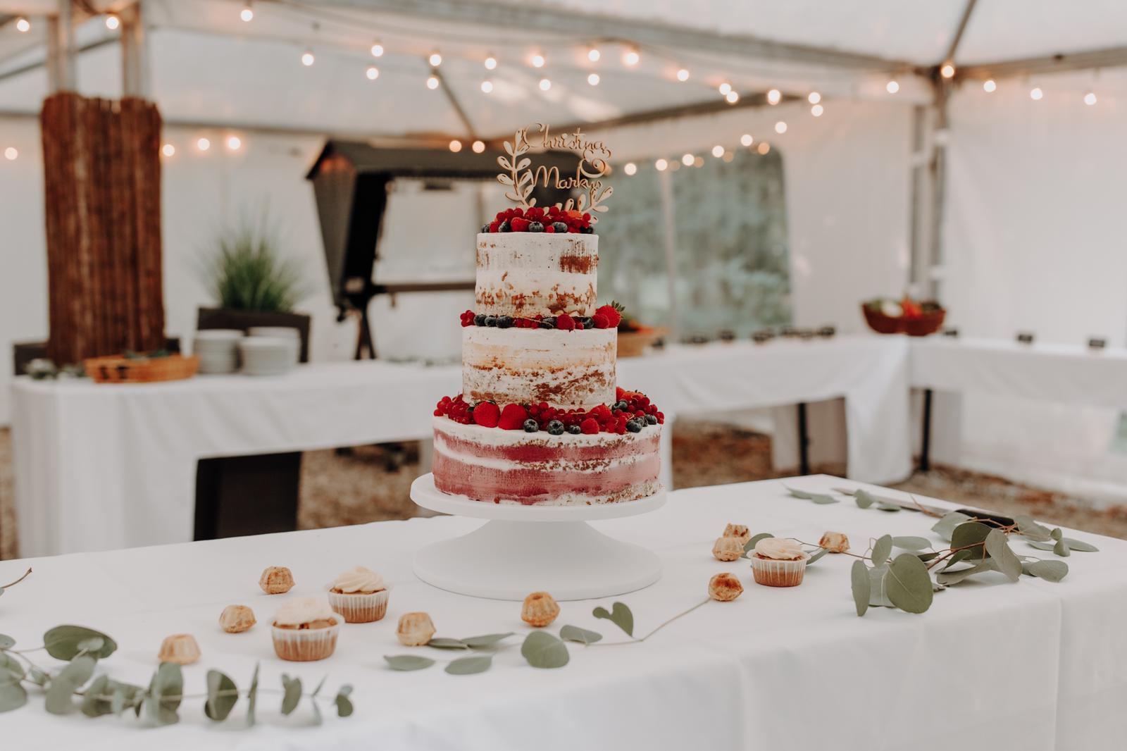Naked Cake Hochzeit.jpeg