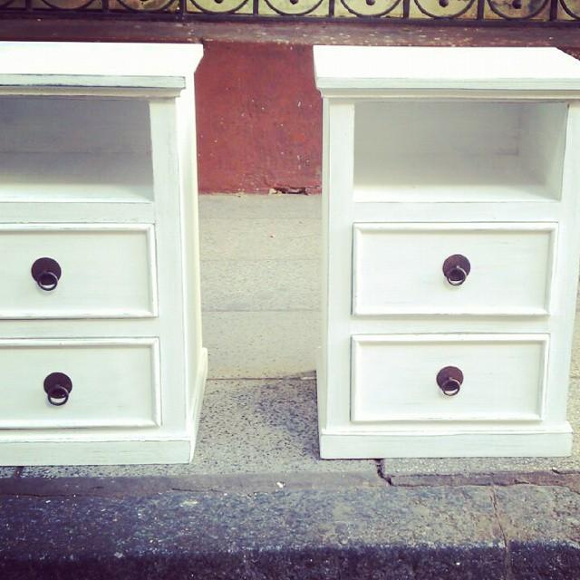 Mesas de luz listas para entregar! :) pedilas en el color que quieras! #mesadeluz #dormitorio #patin