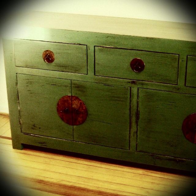 Vajillero oriental. Color verde