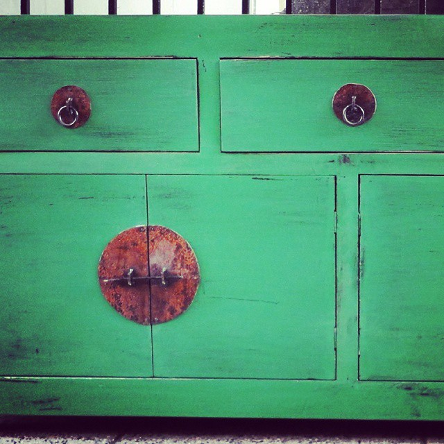 Herrajes vajillero #clodohouse #mueble #handmade #house #furniture #wood #living #madera #patinada #