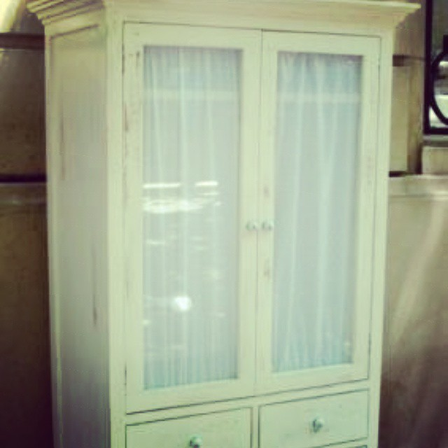 Ropero #clodohouse #mueble #handmade #house #buenosaires #argentina #ropero #vintage #wood #white #f