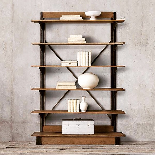 Estantería estilo industrial #decorar #estilo #industrial #madera #wood #clodohouse #trending #orden