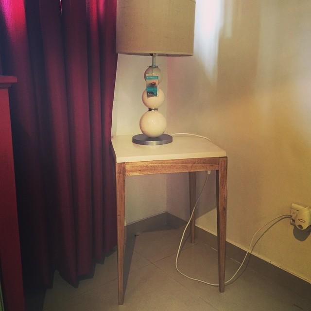 Quedan divinas! Mesa de arrime en microcemento y madera