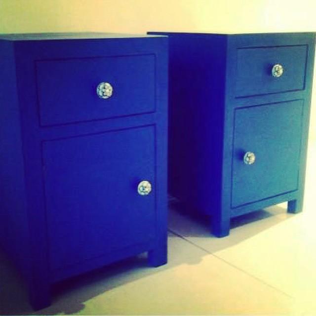 Mesa de luz #mesadeluz #handmade #buenosaires #argentina #clodohouse #azul
