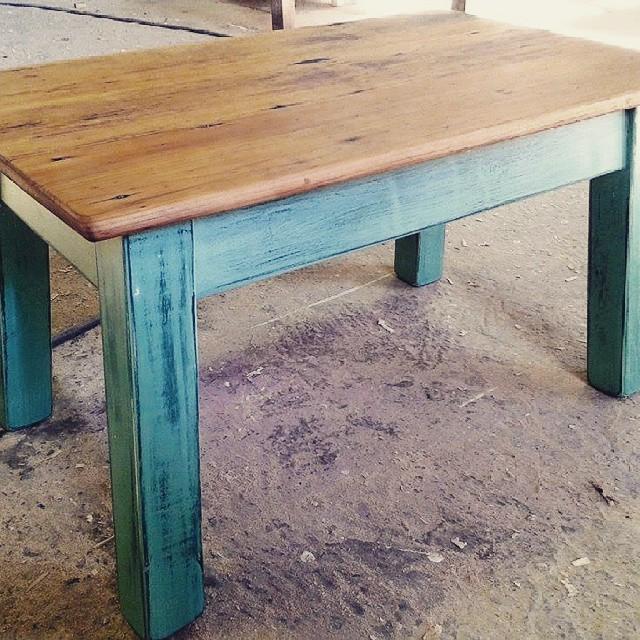 Mesa baja en todos los colores
