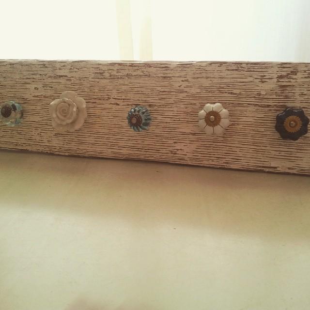 Perchero con tiradores! Madera mas rustica! #clodohouse #buenosaires #argentina #furniture #wood #vi
