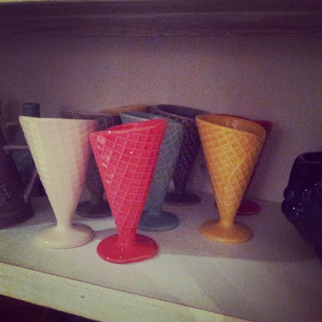 Llegaron los cucuruchos para tomar helado! ! En mas colores! Veni a buscar el tuyo.