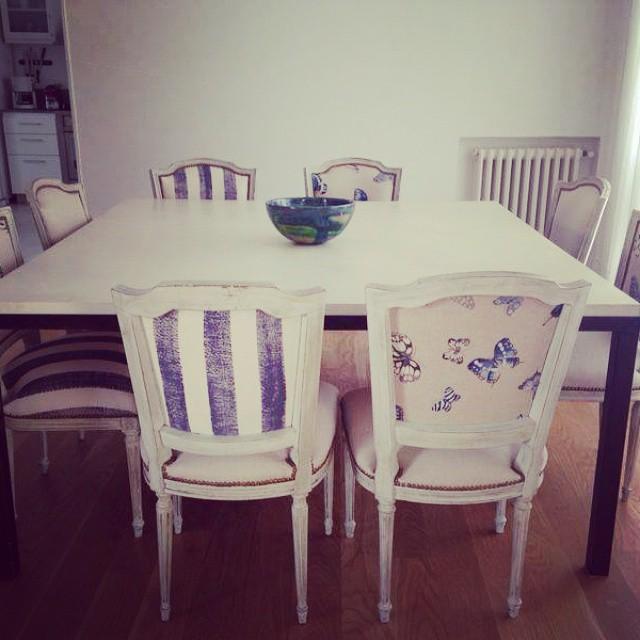 Mesa de comedor en microcemento y patas de hierro