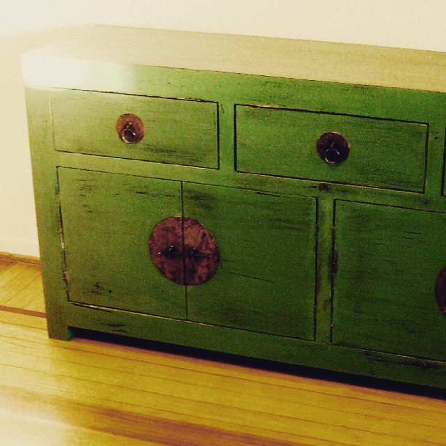 Vajillero estilo oriental #clodohouse #mueble #handmade #house #furniture #wood #living #madera #pat