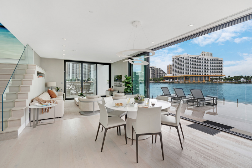 4BR Haven in Miami 265079.png