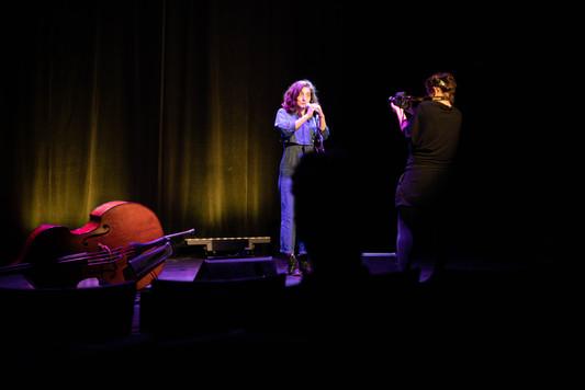 Alcalines duo contrebasse-voix ©Julien B