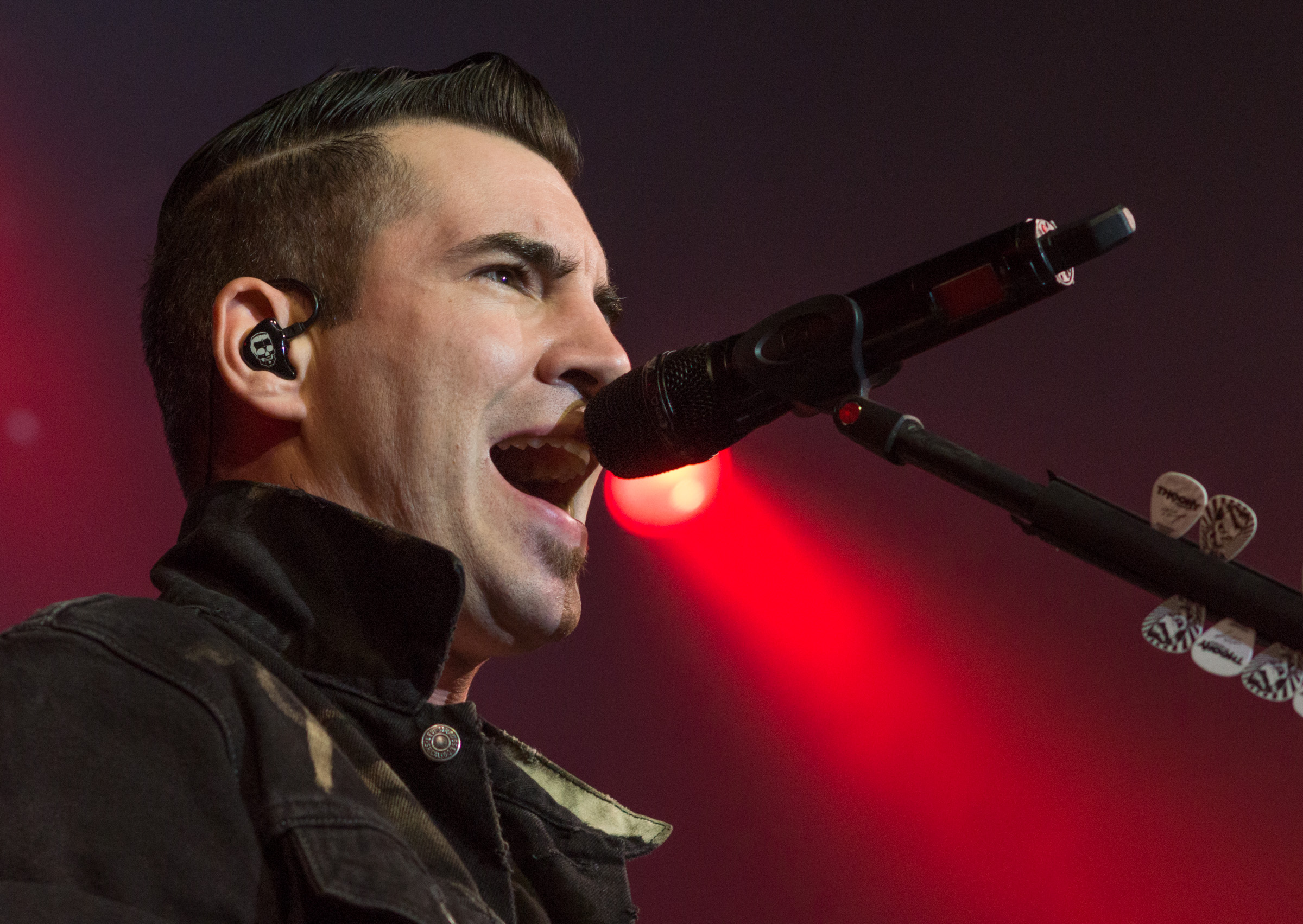 Tyler Connolly -Theory of a Deadman
