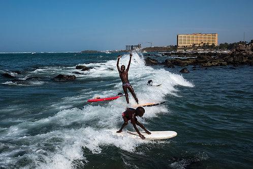 Ngor Surfing