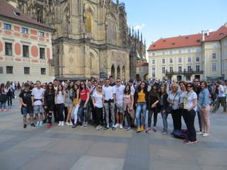 Сви путеви воде у Праг