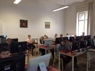 На Тргу ружа приређено онлајн језичко такмичење