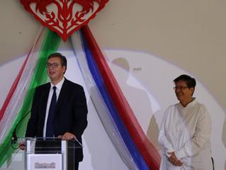 Председник Србије посетио Српску школу у Будимпешти