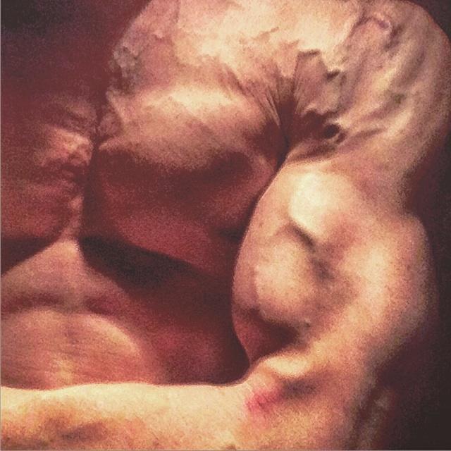Daniel Schou, vascular and chiseled, the Penandbarbell.com blog.