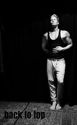 Daniel Schou, Triceps, Triceps workout, Triceps definition, Tricepsövningar, Muscular definition, chiseled physique, statuesque body, sculpted torso