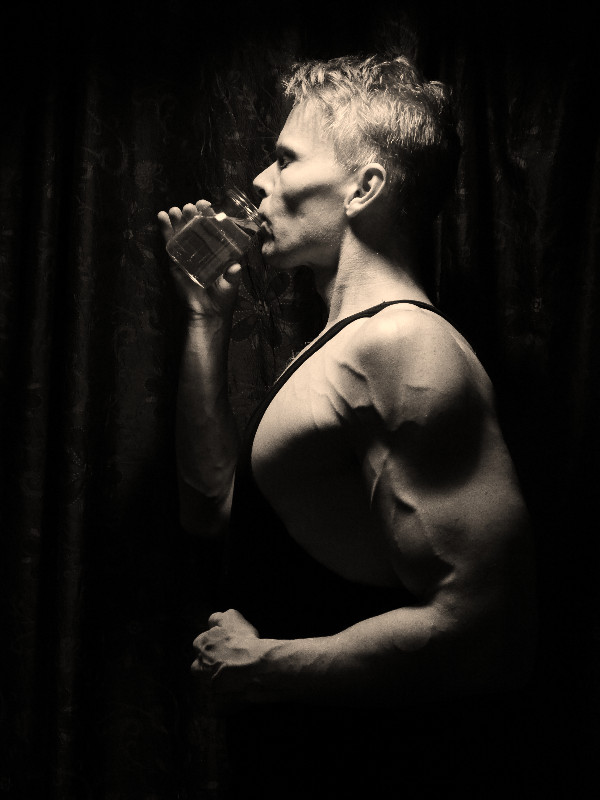 Daniel Schou, drinking water