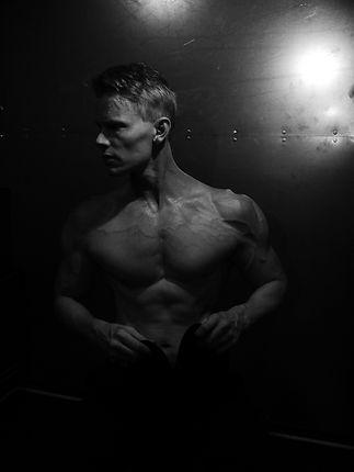 Daniel Schou, fitness trends, chiseled physique, deffa, Meline Höijer Schou