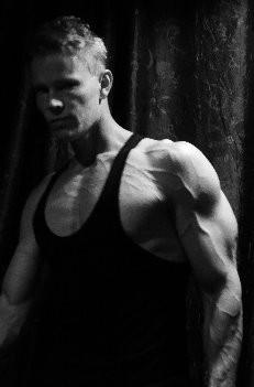 Daniel Schou chiseled physique