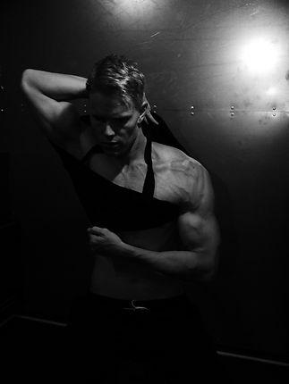 Fitness trends, shoulders, chiseled physique, Daniel Schou, photo by Meline Höijer Schou