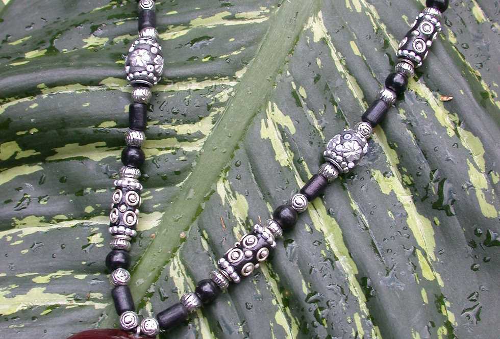 black beads sea heart necklace