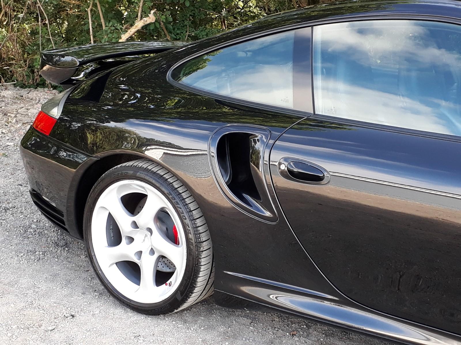 Porsche 911 Turbo Exterior