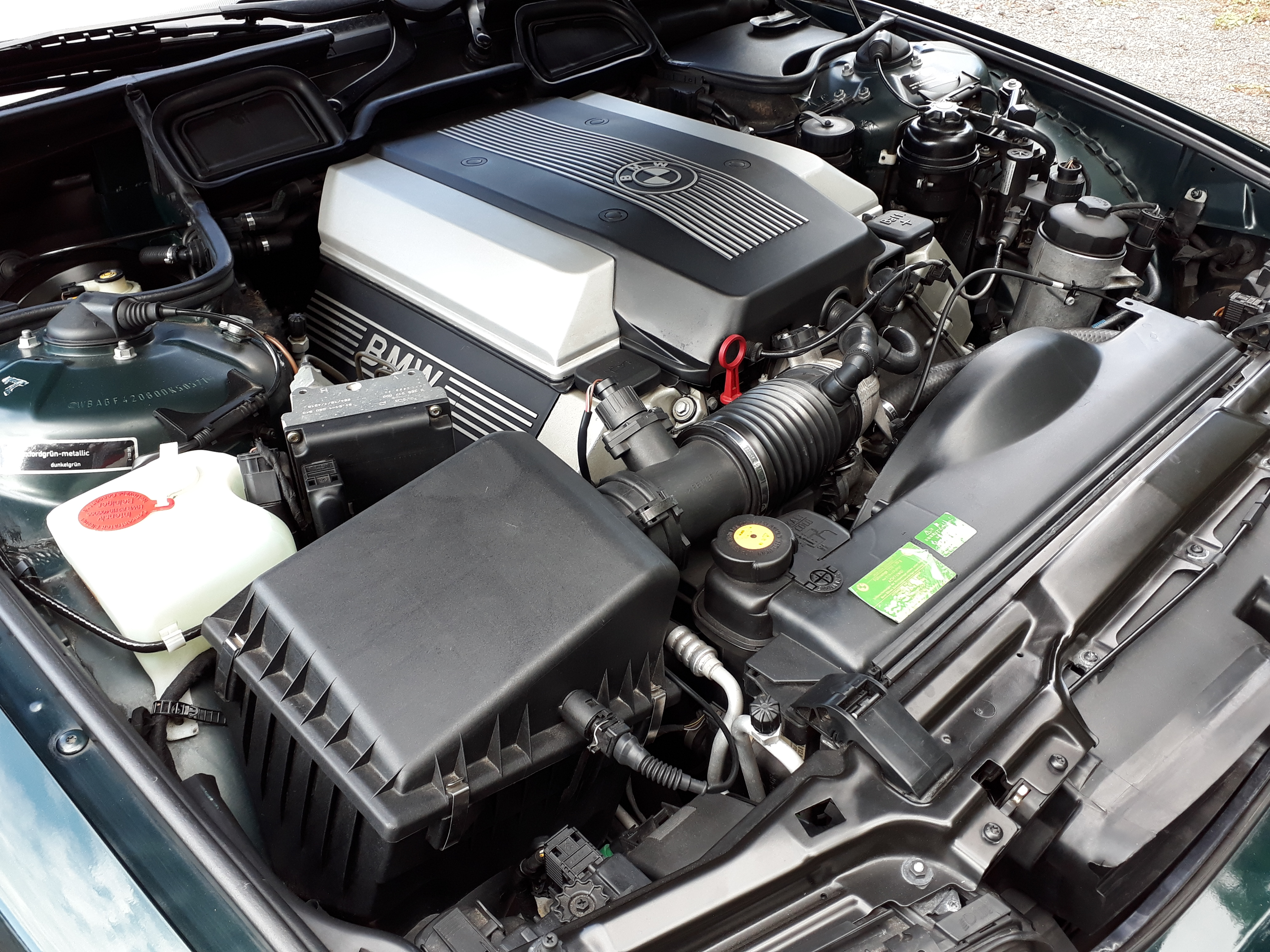 BMW 735i V8 £11,995