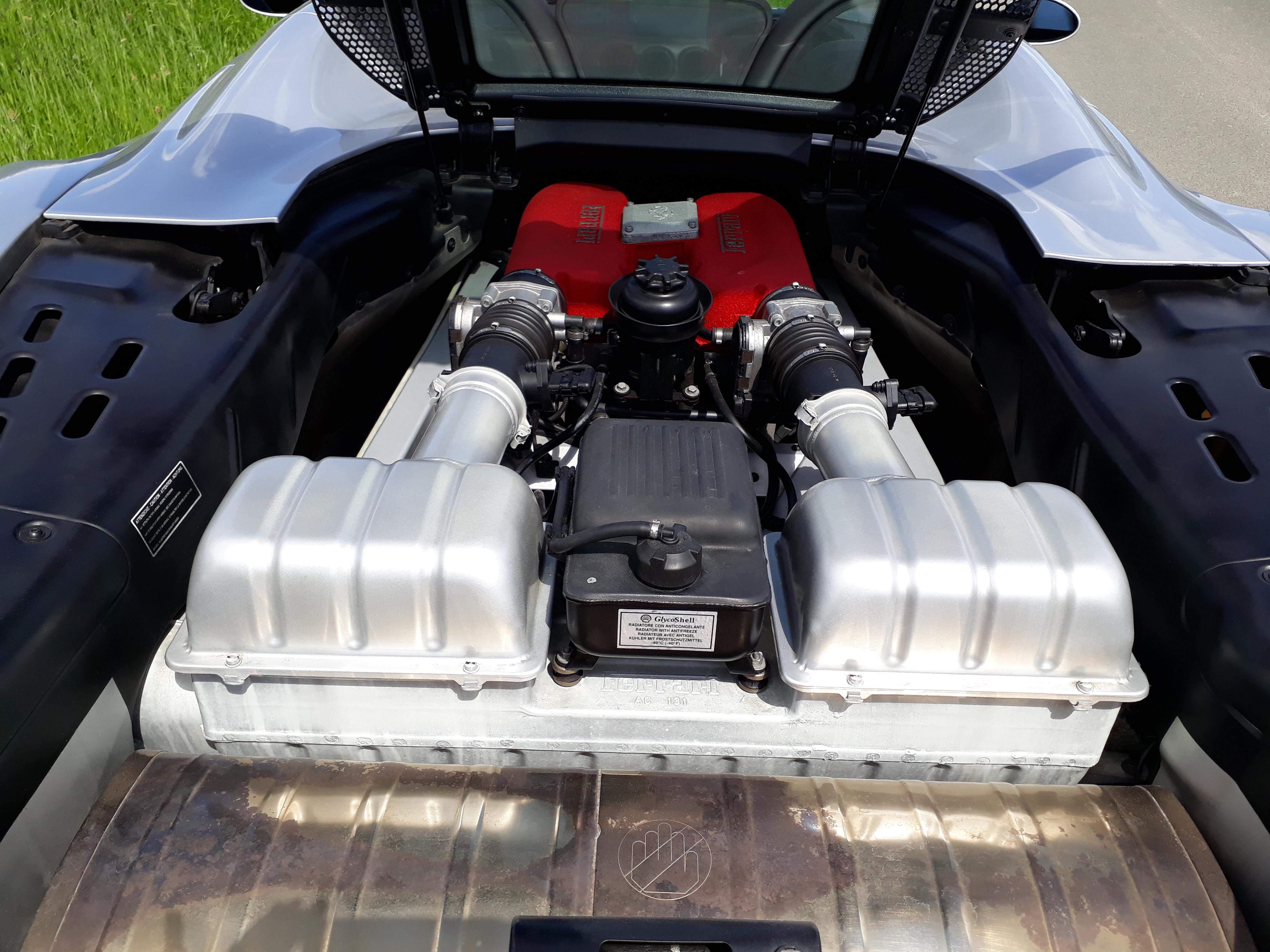 Ferrari 360 Spyder Engine
